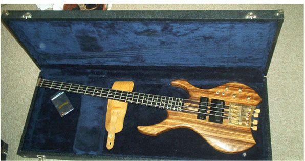 Warwick Desire Bass 1.jpg