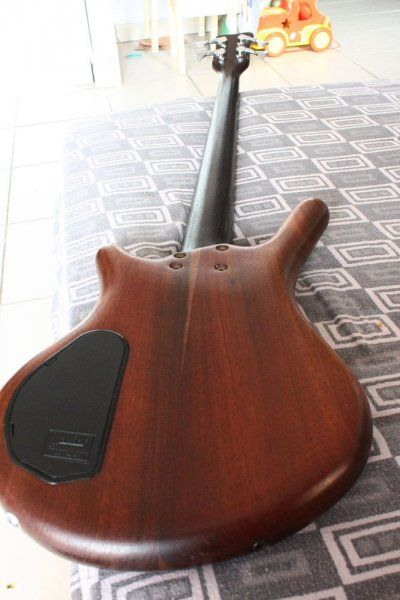 warwick-thumb-bass-2333434.jpg